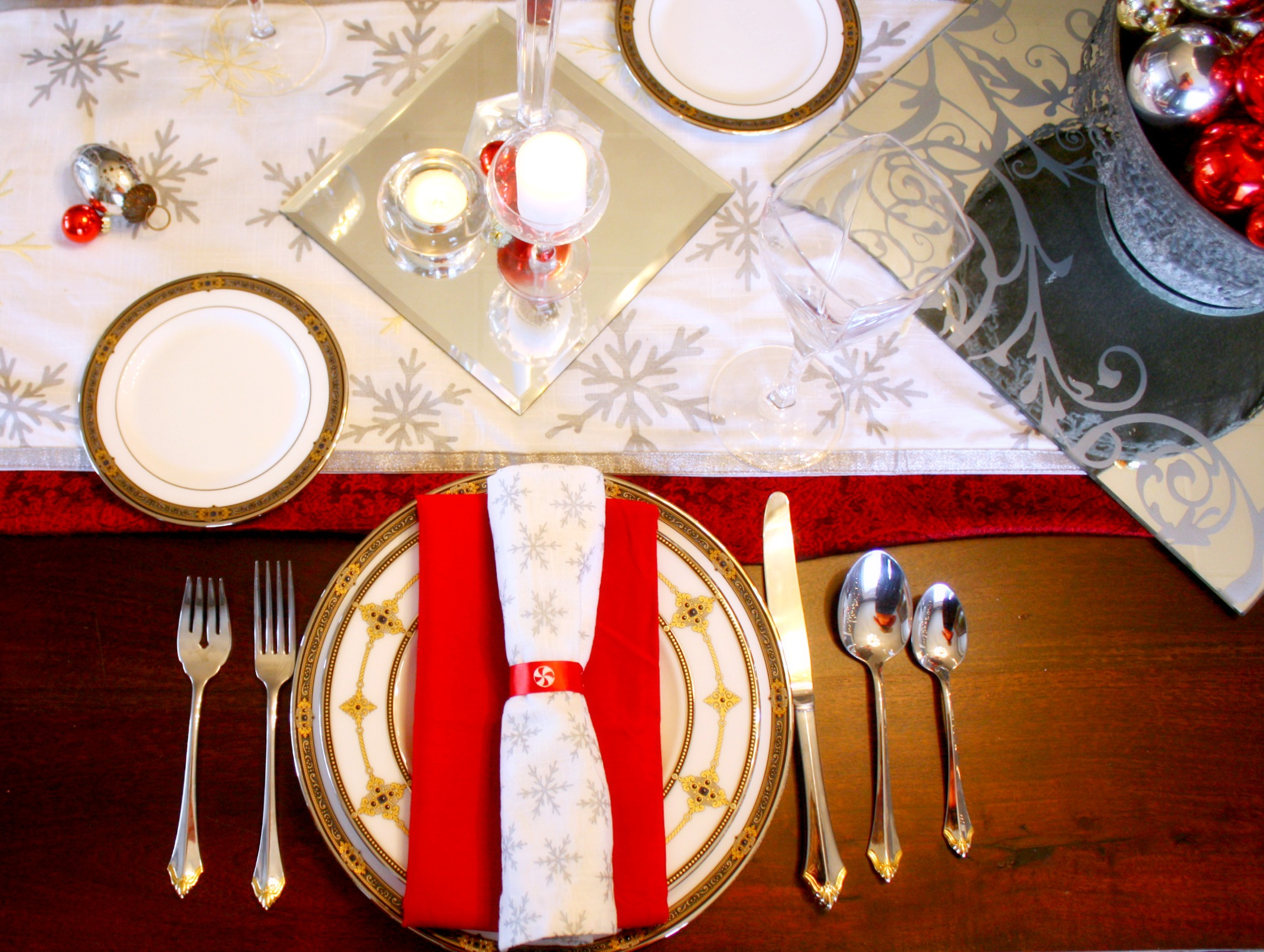 traditional-christmas-table-setting-ideas